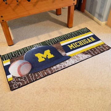 Picture of Michigan Baseball Runner