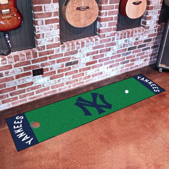 Picture of MLB - New York Yankees Retro Putting Green Mat