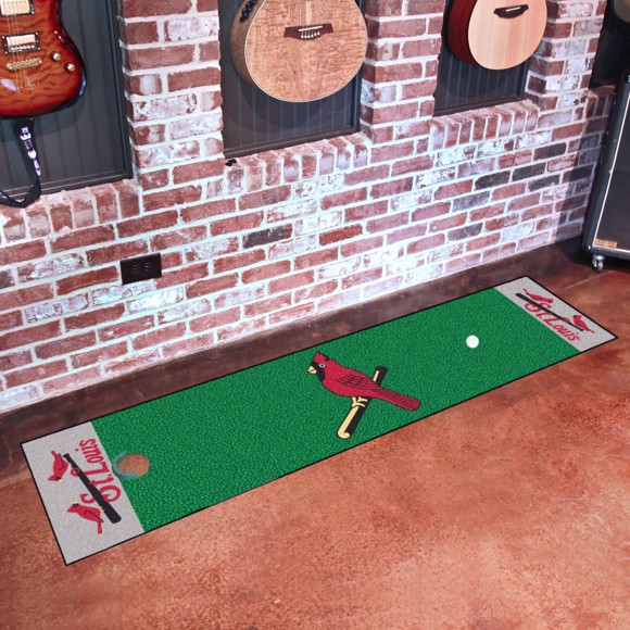 Picture of MLB - St. Louis Cardinals Retro Putting Green Mat