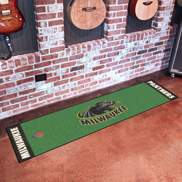 Picture of Wisconsin-Milwaukee Putting Green Mat